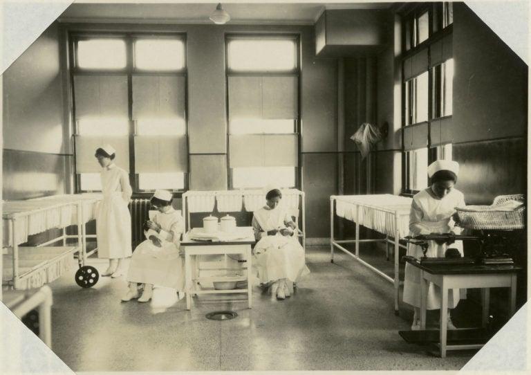 Nurses working at the Peking Union Medical College.