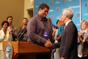 Chicago Mayor Rahm Emanuel greets forum attendee Brandon Wright during the Chicago Opportunity Fair & Forum. Photo credit: Tasos Katopodis, Getty